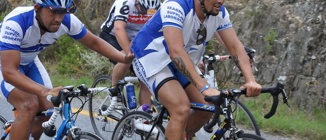 JugendstilBikes_bicycle_pushing