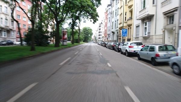 jugendstilbikes.de - sonntags um sieben, leere Straßen